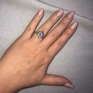 Jewelry - Rose Gold Fashion Diamond Ring (size 6)